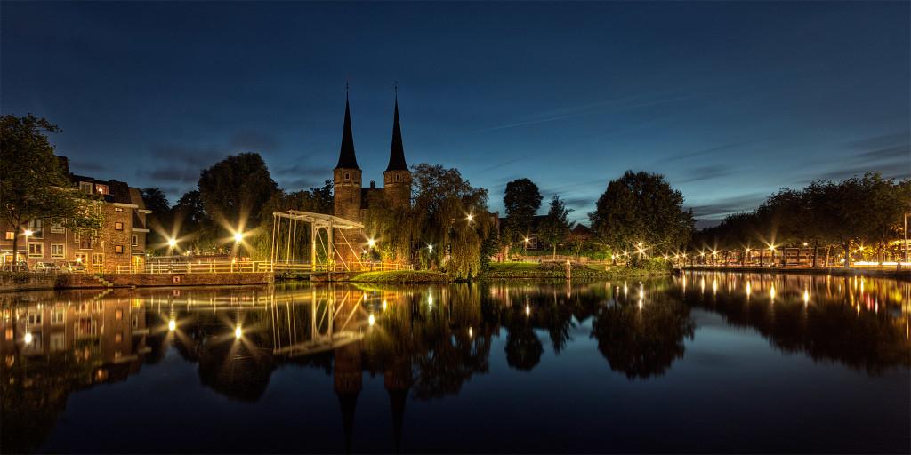 Nacht opnamen van de Oostpoort Delft