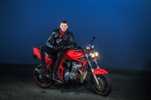Illustratie: Raymond van der Velden, Motor Shoot, Suzuki, Custom Bandit